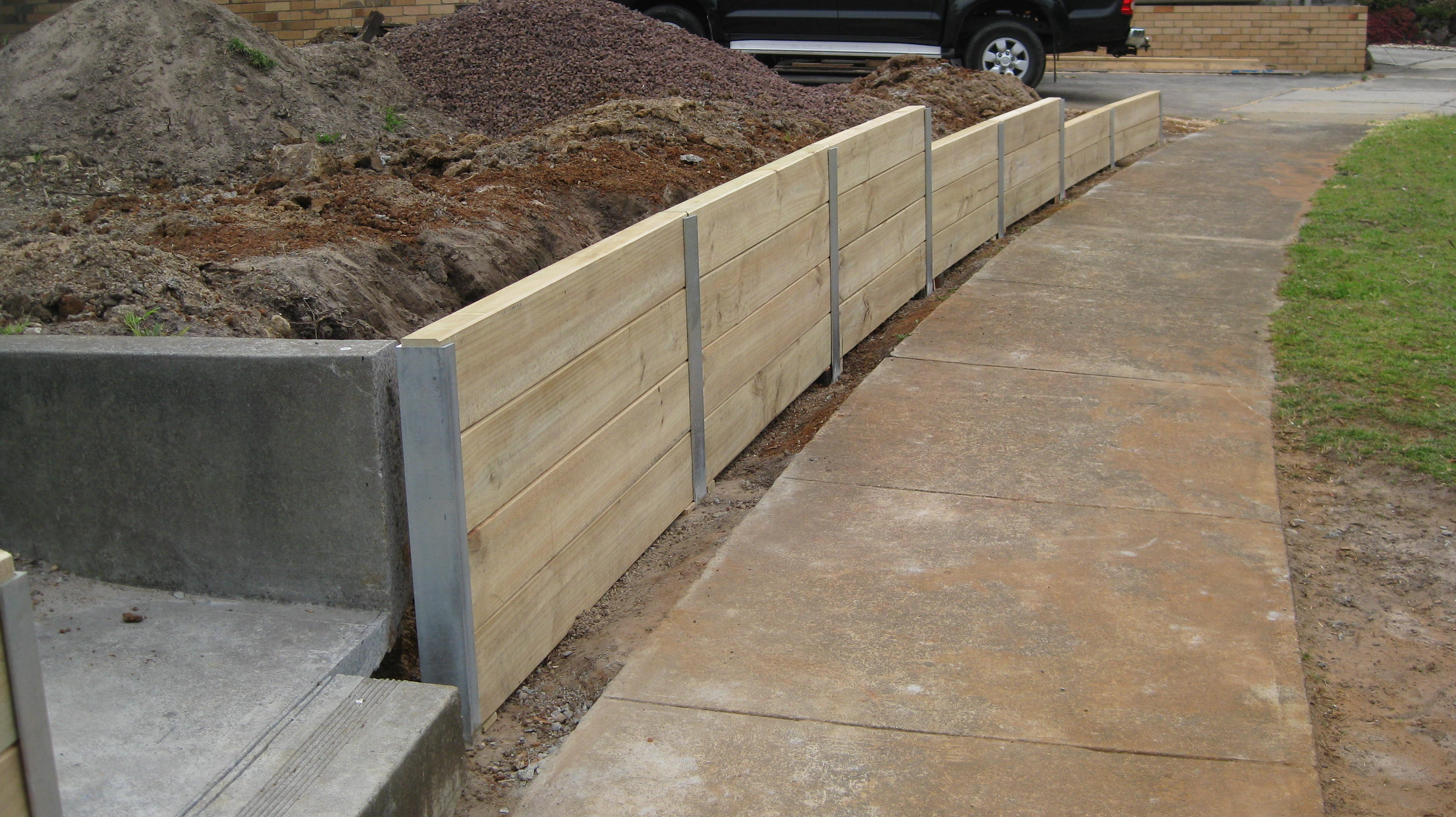 How To Build Reatining Wall With Wood